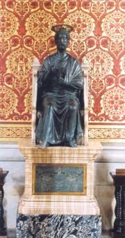 Statue of San Pietro