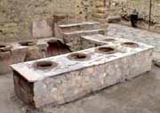 Thermopolium, the equivalent of the wine bar